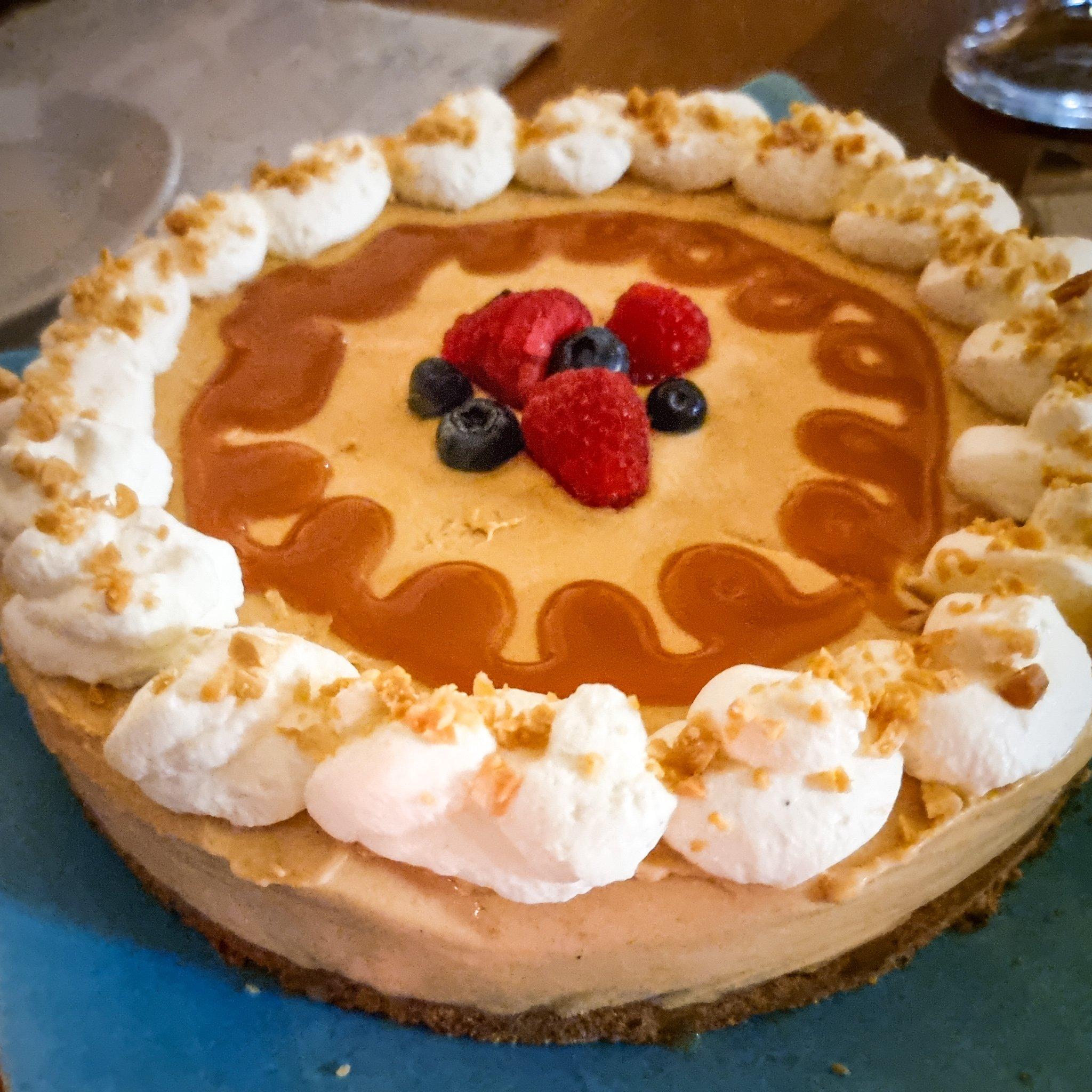 glutenfri snickers cheesecake